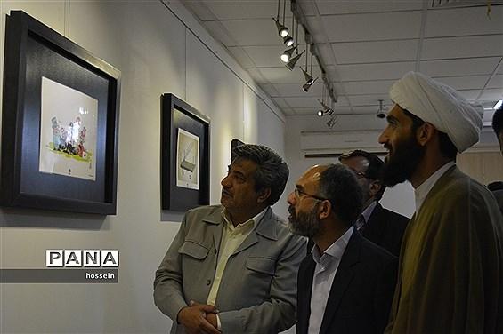 افتتاح نمایشگاه کاریکاتور(آسوده باش من ملکهام) و (ملکه کشتی ربا)