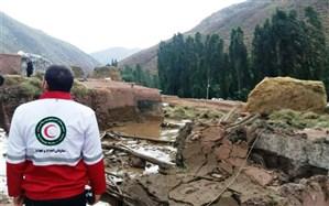 عملیات امداد رسانی به سیل زدگان سلماس ادامه دارد