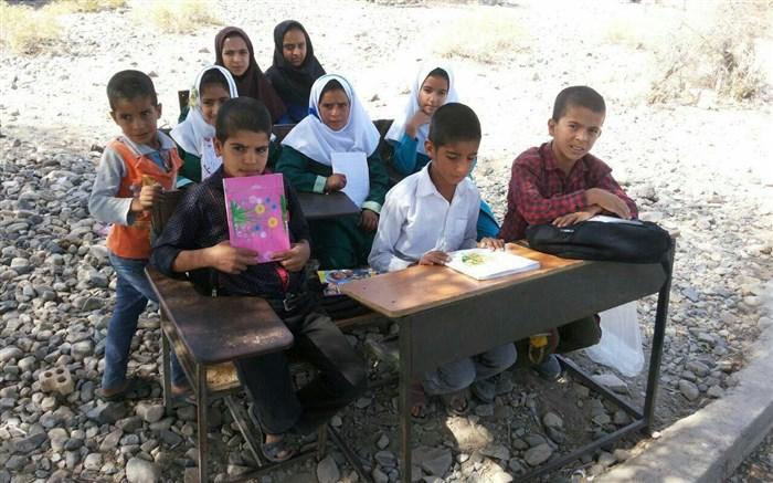 مدرسه سازی در مناطق  سیل زده لرستان