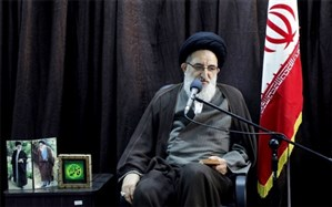 آیتالله حسینی همدانی : دشمن به دنبال جلوگیری از توسعه فرهنگ شیعی است