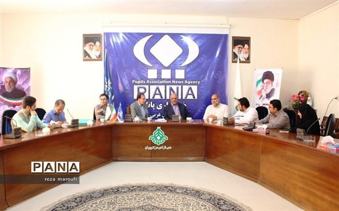 حضور مدیر کل آموزش و پرورش آذربایجان غربی در دفتر خبرگزاری پانا به مناسبت  روز خبرنگار