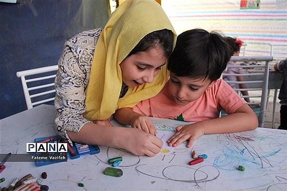 برپایی غرفههای نشاط و شادی کودکان دربوستان شهید ندایی اسلامشهر