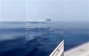 لحظه فرار ناوچه انگلیس از خلیج فارس