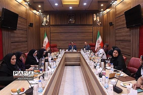 نشست مدیرکل آموزش و پرورش شهرستانهای استان تهران با اصحاب رسانه