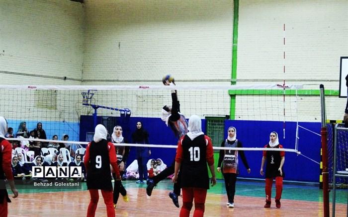 مسابقات والیبال کانونها و آکادمیهای تخصصی دختران شهید بهشتی