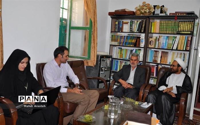 دیدار امام جمعه شهرستان خوسف با خبرنگاران شهرستان خوسف به مناسبت هفته خبرنگار