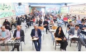 بازدید کریمی از پایگاه انتخاب رشته مدرسه امام علی(ع) در منطقه۱۸