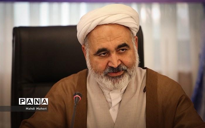 علی عسکری: برای شفافیت مالی صندوق ذخیره فرهنگیان پیگیریهای جدی انجام گرفته است و افرادی به دادگاه معرفی شدهاند