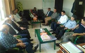 معاون آموزش متوسطه استان زنجان بر توسعه کمی و کیفی آموزشهای فنی و حرفهای و کاردانش تأکید کرد
