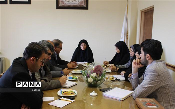 نشست مشترک معاونین آموزش و پرورش استان با مدیر کل کتابخانه های عمومی اردبیل