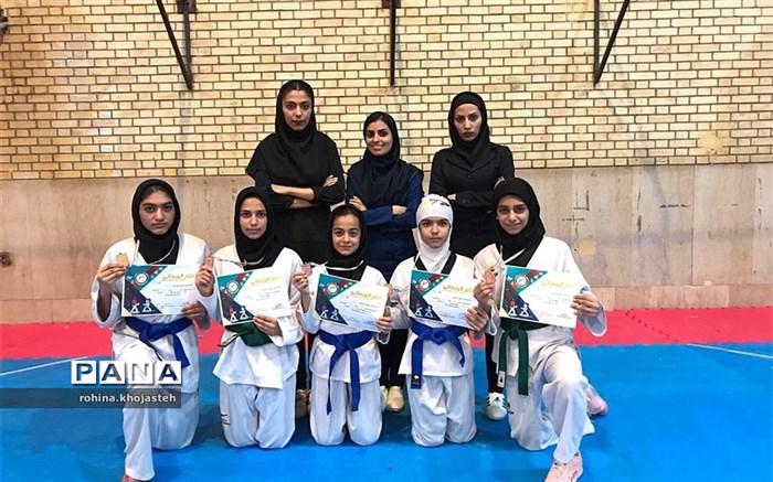 کسب مدال طلا و برنز توسط بانوان تکواندوکارشهرستان  خنج