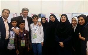 حضور سرپرست وزارت آموزش و پرورش در غرفه دانش آموزان دوره ابتدایی استان یزد