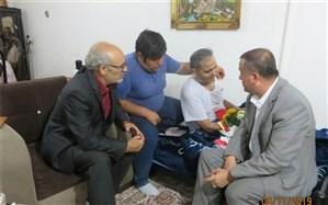 فرماندار ویژه میانه از آزاده سرافراز دفاع مقدس آقای علی نظری عیادت کرد