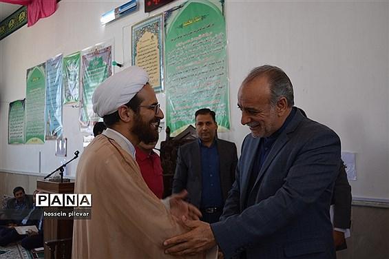حضورمردمی و میز خدمت با حضور استاندار و مدیران کل استان در شهرستان خوسف