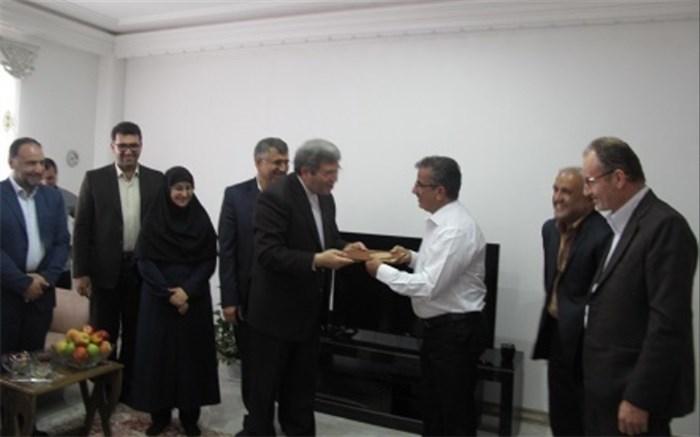 دیدار سرپرست وزارت آموزشوپرورش با آزاده فرهنگی در خشکبیجار