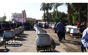 توزیع 5000 دست طعام و برپایی ایستگاه صلواتی به مناسبت عید ولایت در شهرستان کازرون
