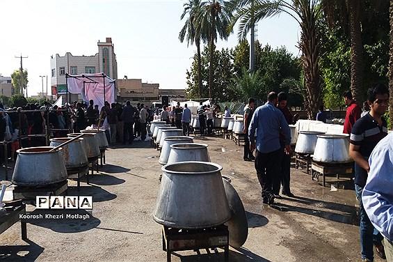 توزیع 5000 طعام به مناسبت عید ولایت در شهرستان کازرون
