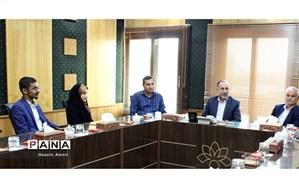 دیدار اعضای مجلس دانش آموزی خوزستان با مدیرکل صداو سیما