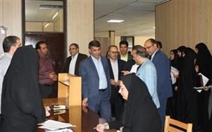 مدیرکل آموزش و پرورش استان از مراحل مصاحبه پذیرفته شدگان دانشگاه فرهنگیان بازدید کرد