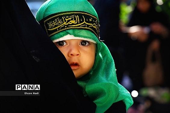برگزاری باشکوه مراسم شیرخوارگان حسینی در مصلای مشهد