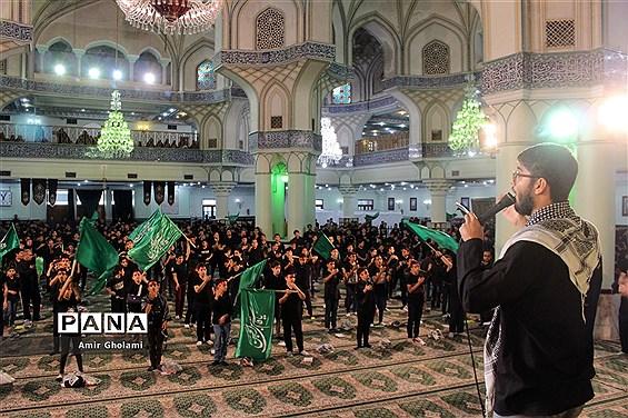 اجتماع نوجوانان عاشورایی در سوگواره احلی من العسل در حرم حضرت عبدالعظیم (ع)