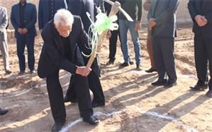 آغازساخت یک مدرسه خیریساز به نام  امام حسین (ع) دریزد