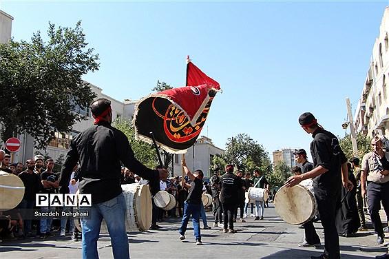 عزاداری مردم شیراز در تاسوعای حسینی