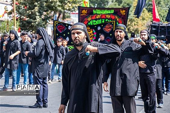 عزاداری خیابانی مردم ارومیه در تاسوعای حسینی