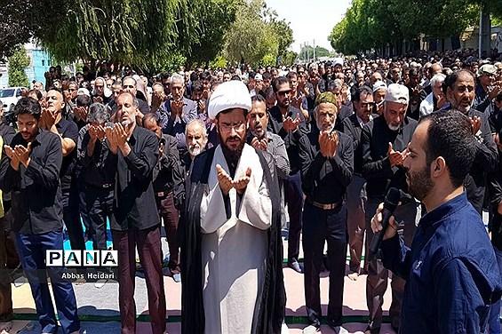 نماز ظهر روز عاشورا در محله بهمنی بوشهر