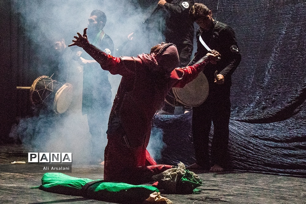 نمایش «زیر قیمت بازار» در ارومیه