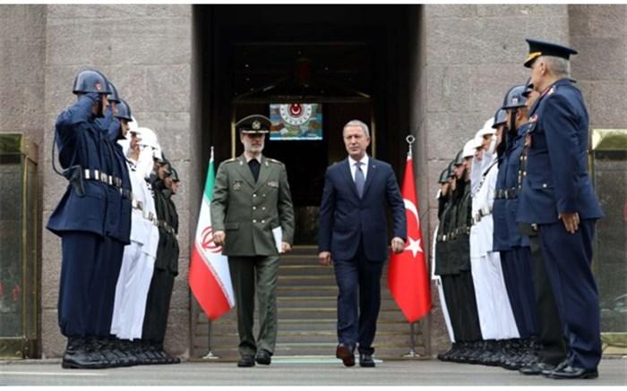 دیدار وزرای دفاع ایران و ترکیه