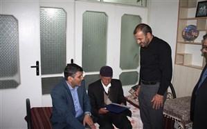 دیدار مدیر کل آموزش و پرورش استان و هیات همراه با خانواده گرانقدر شهید والا مقام سید داود شبیری