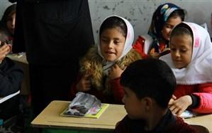 بسته های فرهنگی و لوازم التحریر به دانش آموزان کم بضاعت ناحیه ۲ اردبیل اهداشد