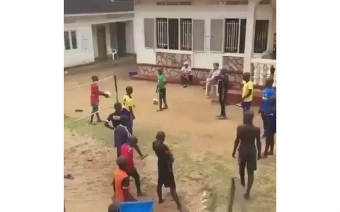 نمایش استعداد بینظیر دانشآموزان آفریقایی در زنگ ورزش