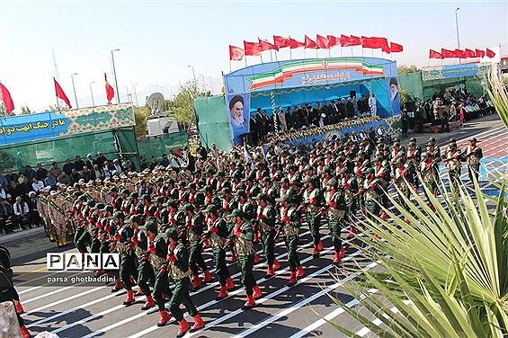 رژه نیروهای مسلح در یزد