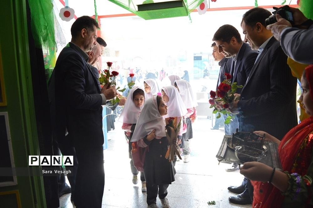 جشن شکوفهها در مدارس شهریار