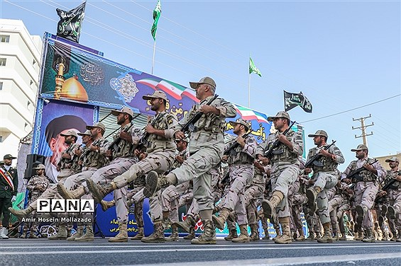 رژه نیروهای مسلح در ارومیه