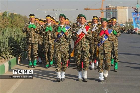 رژه نیروهای مسلح استان قم