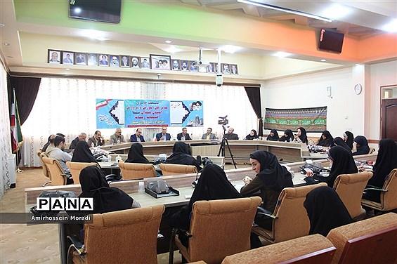 نشست خبری مدیرکل آموزش و پرورش استان همدان با اصحاب رسانه