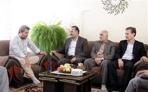 عیادت رییس مرکز سنجش وزارت و مدیر کل آموزش و پرورش کردستان از بیماران فرهنگی