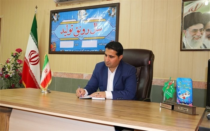 توزیع بسته های لوازم التحریر در شهرستان امیدیه