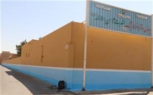 رنگ آمیزی و نقاشی دیوار مدارس توسط شهرداری یزد