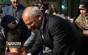 وزیر آموزش و پرورش خطاب به دانشآموزان: قول بدهیدبهتر از ما درس بخوانید