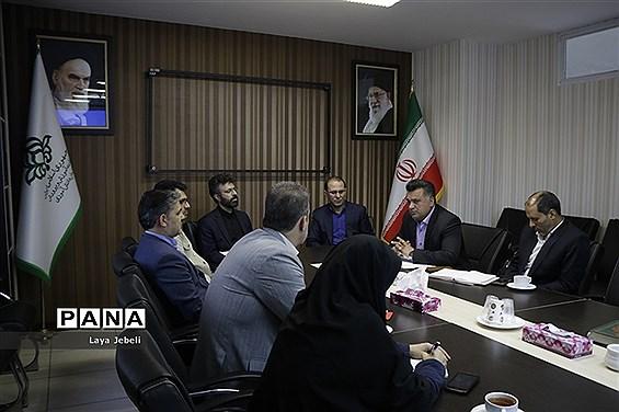 اولین شورای سیاستگذاری کمیته امداد امام خمینی(ره) و سازمان دانشآموزی
