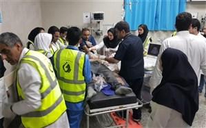 حضور داوطلبانه کارکنان بیمارستان ها و مراکز امداد و درمانی در حادثه قطار زاهدان -تهران
