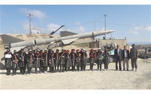 بازدید دانش آموزان و کارشناسان سازمان دانش آموزی از نمایشگاه رزمی فرهنگی سپاه اردبیل
