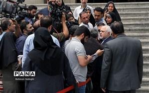 ظریف: مواضع ایران در چهارمادهای مکرون درست بیان نشده است