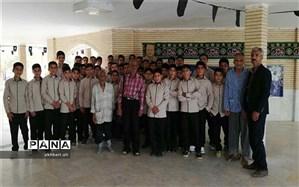 دیدار سالانه دانش آموزان نوش آباد از سرای سالمندان