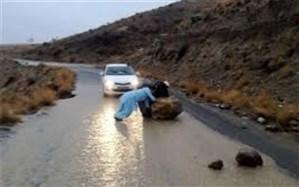 مسدود شدن مسیر فنوج به اسپکه در اثر طغیان رودخانه در سیستان و بلوچستان