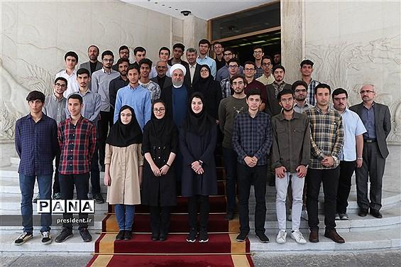 مراسم تجلیل از دانشآموزان مدالآور المپیادهای علمی جهانی سال 2019